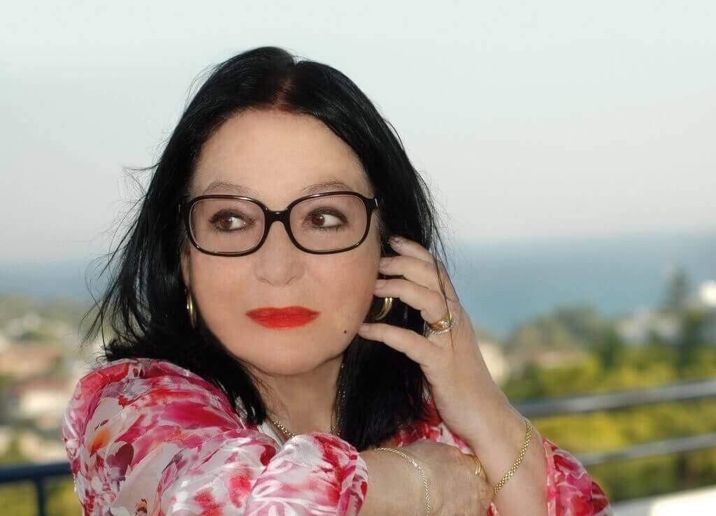 Nana Mouskouri Presse 2014 - CMS Source